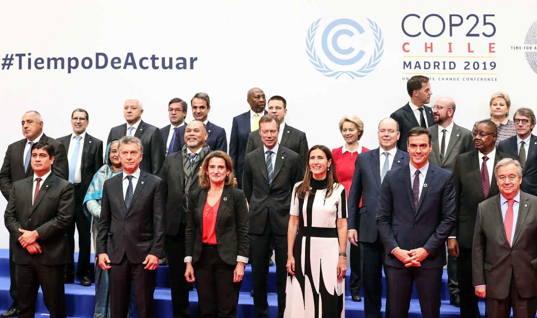 foto oficial de la cop 25 con sus representantes