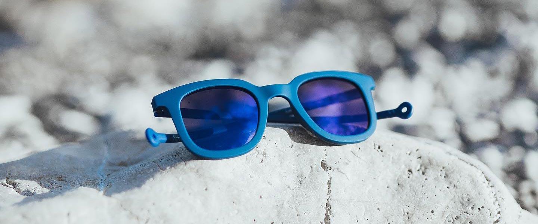 gafas de sol parafina en la playa