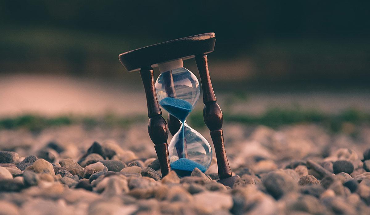 ¿Qué son los bancos del tiempo? Entrevista con Julio Gisbert