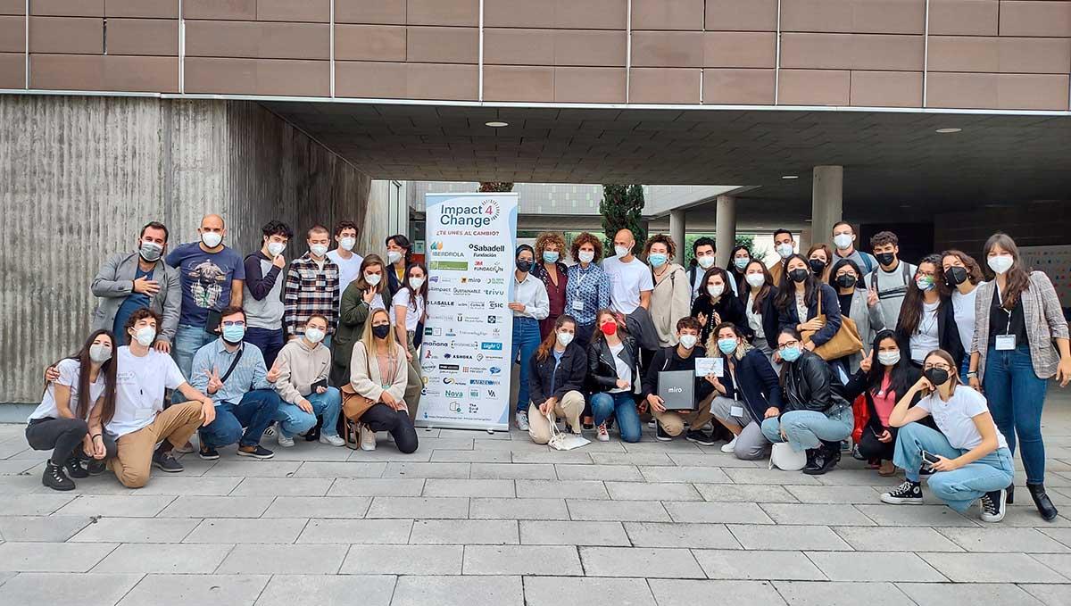Jóvenes, universidades, emprendedores, fundaciones y empresas de toda España se unen para trabajar juntos por el cambio en el evento Impact 4 Change
