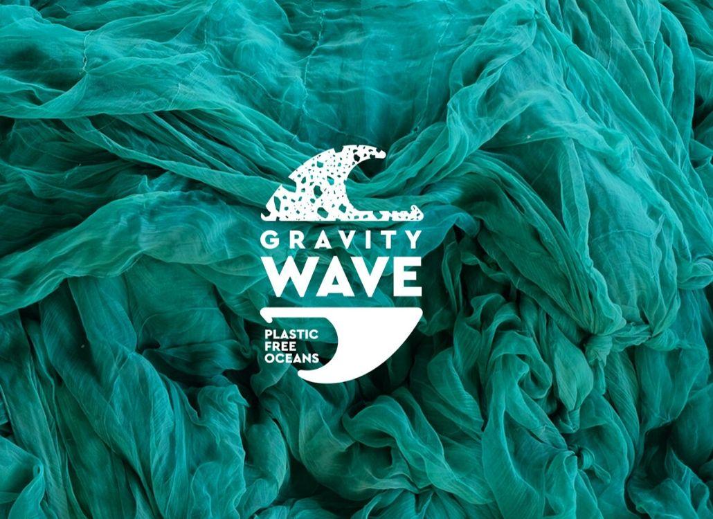 Gravity Wave y Flying Tiger Copenhagen  cierran el verano limpiando 427.882 botellas de plástico del mar
