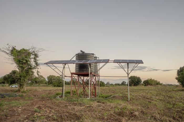 Comer cada día: Una campaña de paneles solares para acabar con el hambre en comunidades rurales de Mozambique
